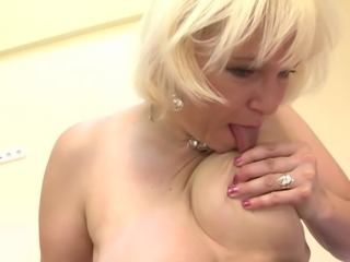 Mature blonde with big ass loves masturbating with toys