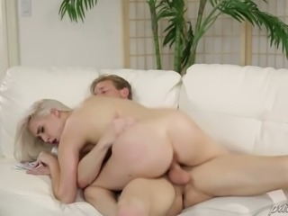 Pale skinned curvy blondie Cadence Lux got her kitty slammed in doggy and...