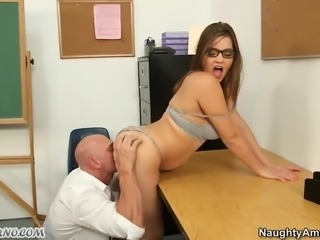Good schoolgirl sucks her teacher's dick in the classroom