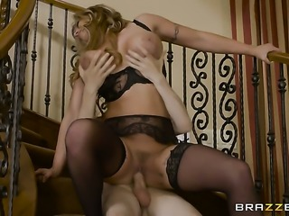 Blonde Eva Notty gets her fuck hole pumped full