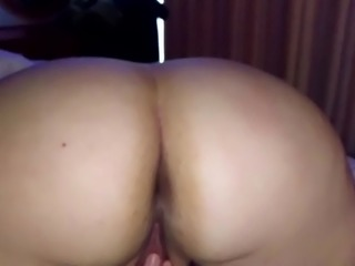 Horny suchka masturbates while spanked
