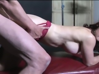 This  MILF is an expert at sucking and fucking
