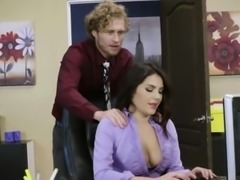 Horny secretary Give a blow job to your boss