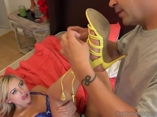 Summer Day Loves To Be Begged For a Footjob