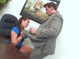 Asian hottie London Keyes gets an office fuck