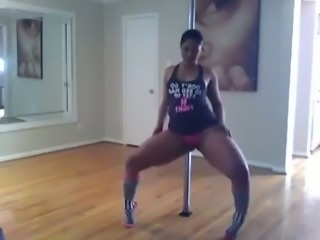 Awesome webcam stripper teased me with awesome pole dance