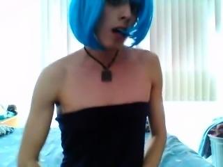 Teen crossdreser masturbating