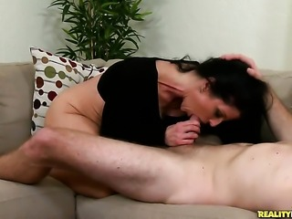 Levi Cash has fantastic oral sex with Piercings Jade Steele with huge tits and clean snatch