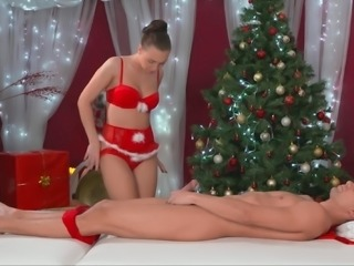 Christmas-time kinky tugjob