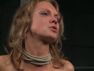 Broken blonde mature lady pounded with a fuck machine