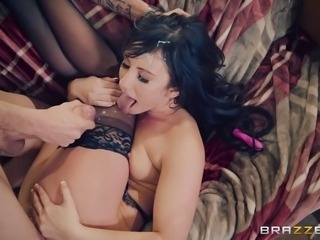 Hypnotic Jennifer White with nice ass loves when her anal gets fucked