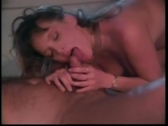Vintage cutie wakes her man with a blowjob and gets her cunt fucked