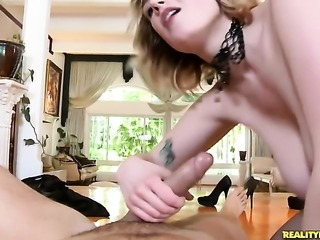 Blonde Siri gets the pleasure from masturbating like never before