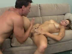 Cute girl is curious about an experienced hunk's pulsating cock