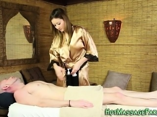 Tasted masseuse facial
