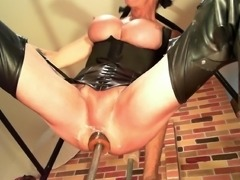 Stuffing my pussyass hole 1