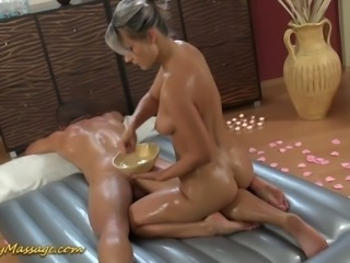 Cock hungry masseuse Holly gives her client the full rubdown