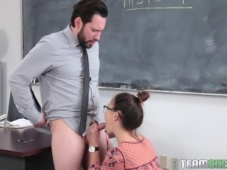 Geneva King wants to be ravished by an experienced fellow