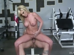 Thick fit and sexy blonde babe Ahryan Astyn boned hard in a gym