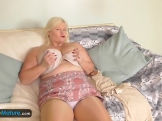 Old fat mature bbw granny busty blonde chubby in nylons big tits solo masturbating