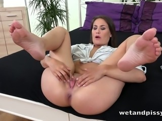 Pretty Yenna pisses in her pussy and masturbates slit with favorite sex toy