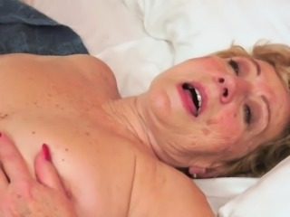 Grandmothers hairypussy fucked roughly