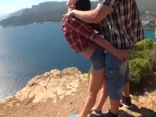 Grosse queue defonce le cul de la salope Sheryl Riviera