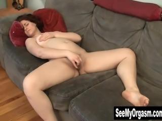 Redhead Vera Orgasming