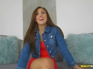 Addison Rich's shaved cunt is all a hunk wants to penetrate