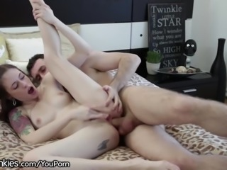 James Deen Gives Anna De Ville Anal Experience!