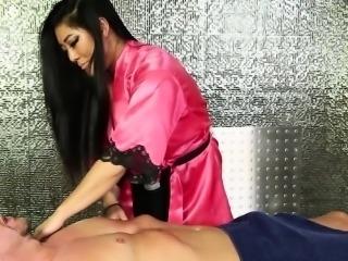 Hot asian masseuse spunk