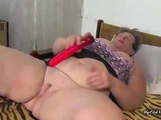 Fat granny Lora loves it when chubby Katja plays with her old, fat pussy
