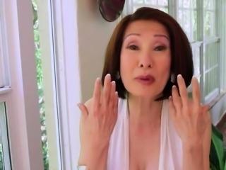 Asian slut Chun loves young big dicks