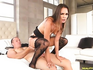 Brunette makes dude unload spunk upon her face