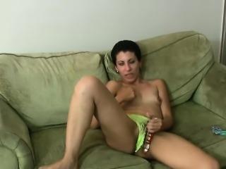 Horny brunette get off with huge toy on webcam