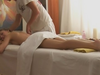 After an erotic massage she receives, she turns into a pure lust