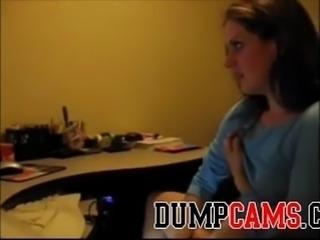 Watching her have webcam sex - DumpCams.com