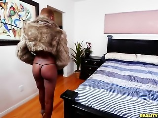 Tattooed cocoa gets ruthlessly slam fucked