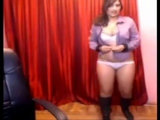 Plump Indian chick dances and strips during webcam solo show - NAKEDMILF.RU