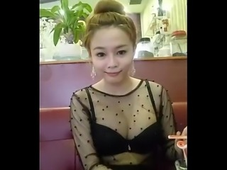 Cute Vietnamese show on cam