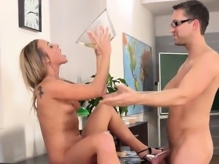 Sensual girl is geeting peed on and ejaculates wet vagina