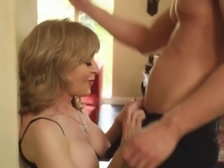 Old mom with very tasty pretty body & guy