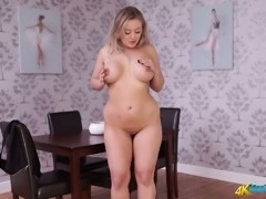 Chubby chick Beth performs hot striptease video