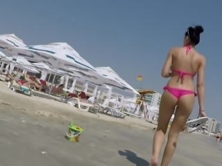 Hot ass in pink bikini