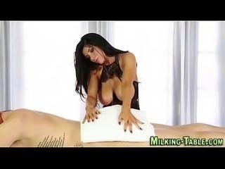 Masseuse wam sucking cock