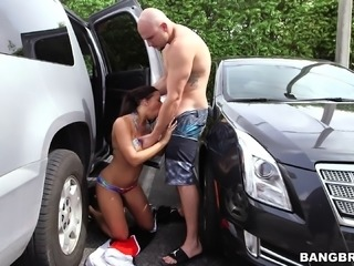 Cock craving Rachel Starr cannot resist a hot hunk's member