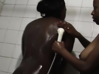 Ebony Lesbians Yvonne And Simone Groping In Shower