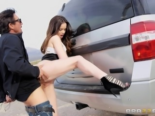 Jenna J Ross is in need of an experienced fellow's massive member