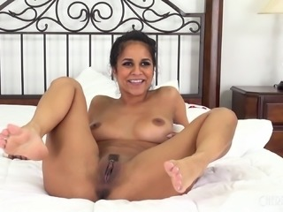 Sexy Latina widens her legs for a fellow's erected dick