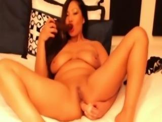 Sexy asian girl Ritsacoco fucks a juicy ass ALIVEGIRL